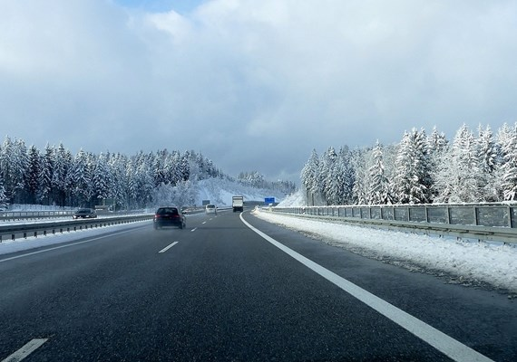 Autobahn Winter.jpg